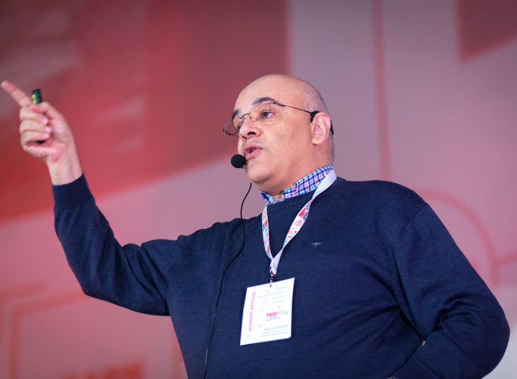 Raed Arafat speaking at TEDx event in Cluj-Napoca