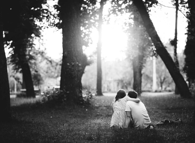 Couple spending time together in Cluj-Napoca Central Park